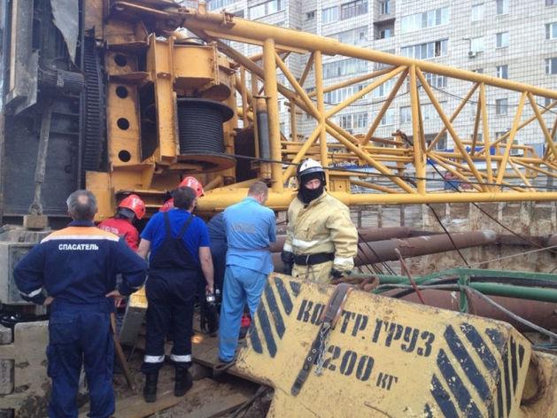 В Казани на стройке новой станции метро «Дубравная» рухнул подъемный кран