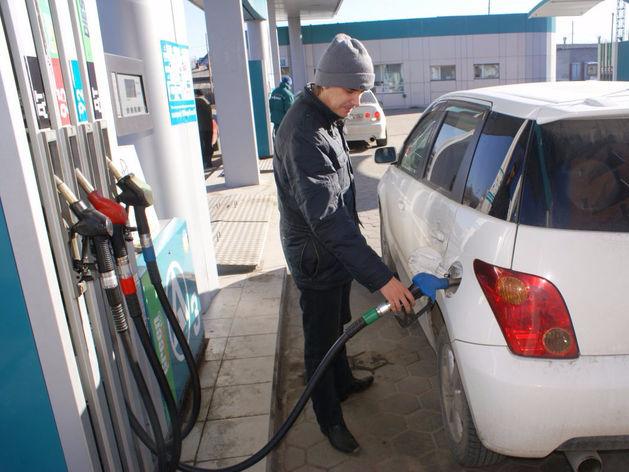 В Татарстане АЗС снижают цены на бензин на 60 коп.
