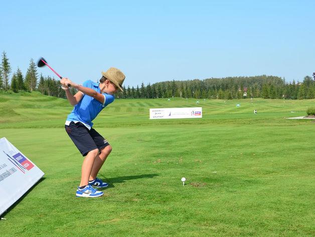 В 16 казанских школах введут занятия гольфом