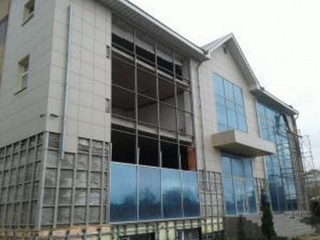 Казанец вместо частного дома построил пятиэтажный торговый центр