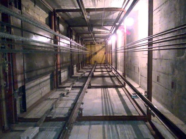 В Казани завели уголовное дело по падению лифта в многоэтажке