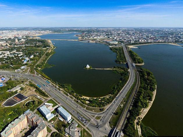 В Казани перекрыт участок Кировской дамбы