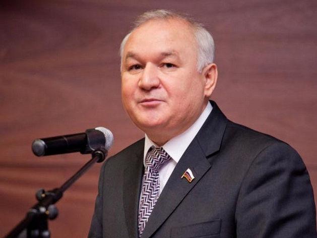 Ильдар Гильмутдинов заявил о необходимости усилить контроль над банками
